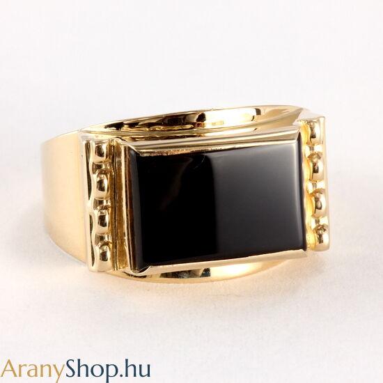 14 karátos arany pecsét gyűrű onixxal