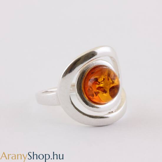 Ezüst gyűrű borostyánnal