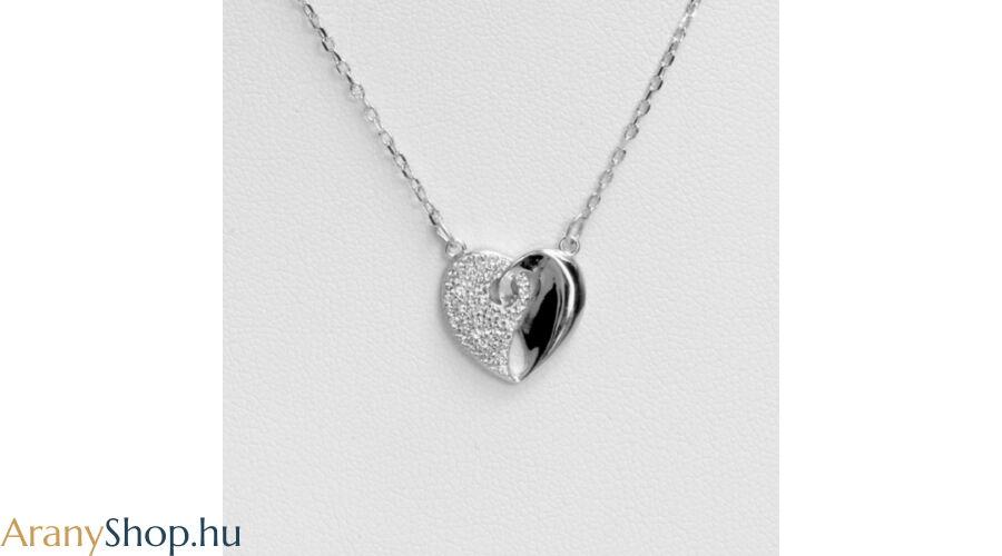 a1cf22918d Ezüst nyaklánc szív medállal - Ezüst női nyakláncok